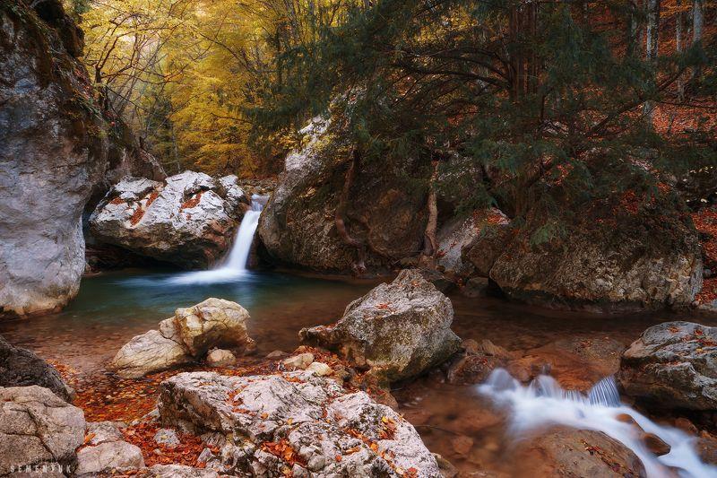 крым, водопад, тисовый, большой каньон, осень, вода, длинная выдержка. У Тисового водопада.photo preview