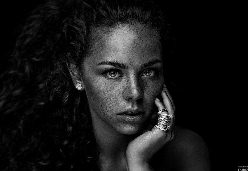 бриллианты,  портрет,  веснушки Эрикаphoto preview