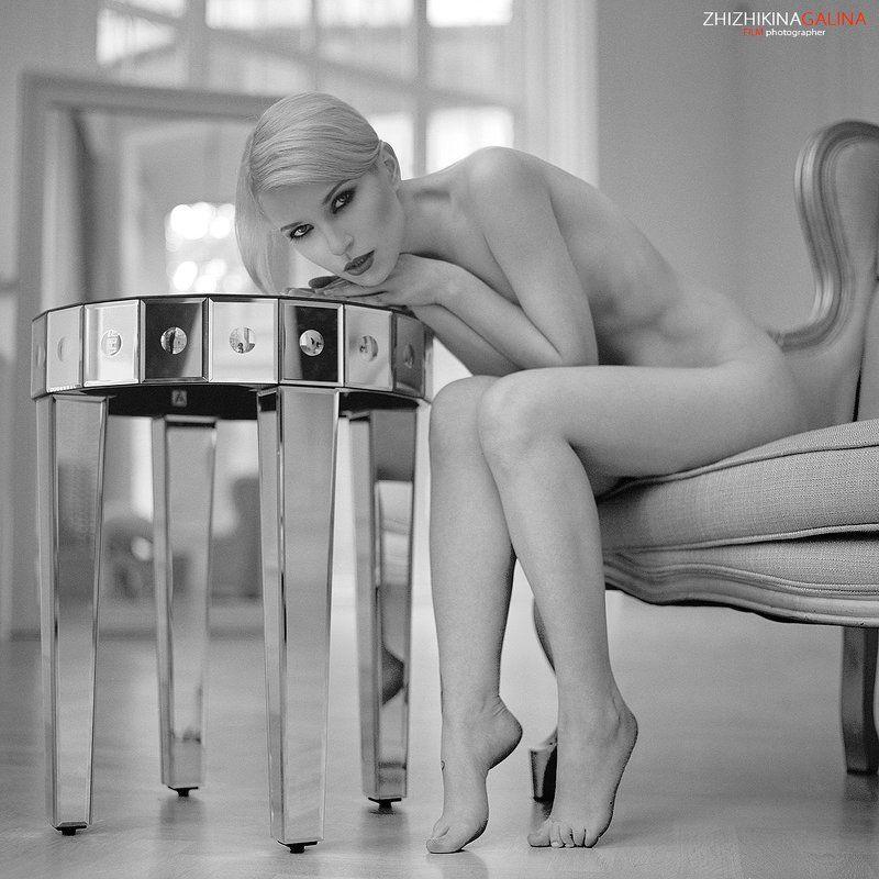 девушка, свет, модель, портрет, жанр, стол, нежность, искусство, грация, ню, модель, воркшоп, мастер-класс, люстра, soul, photo, photography, portrait, nature, art, nude, artnu, nu Компактная нежностьphoto preview