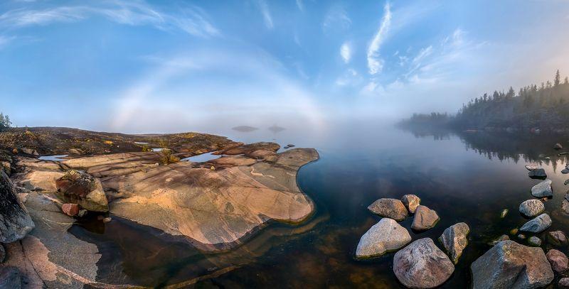 ладожское озеро, карелия, шхеры, лето, туман, радуга, туманная радуга, скалы, небо, лес, сосны, берег, фототур, остров, берёзы, камни, путешествие, плавание, вода. Туманная радуга, или подарок Ладожского озераphoto preview