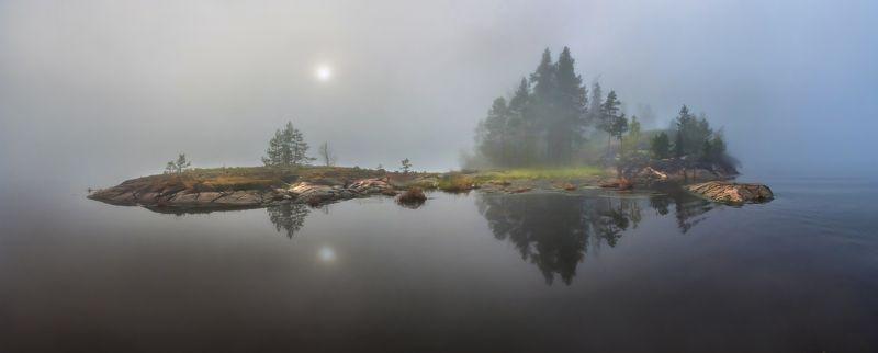 ладожское озеро, карелия, шхеры, лето, туман, скалы, лес, сосны, берег, фототур, остров, камни, путешествие, плавание, вода, отражение, солнце, Когда туман, острова плавают в гости друг другу.photo preview