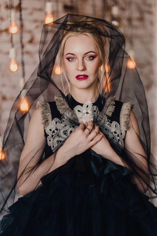 портрет, девушка, студия, черная невеста Янаphoto preview