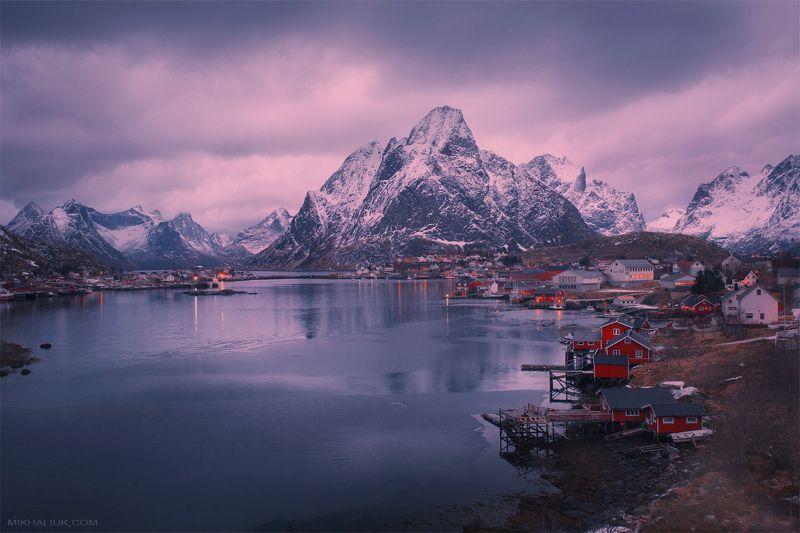 Lofoten Islands. Reinephoto preview