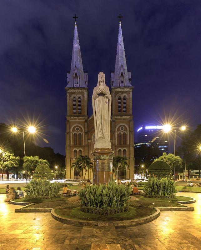 Nhà Thờ Đức Bà Sài Gòn  Nhà Thờ Đức Bà photo preview