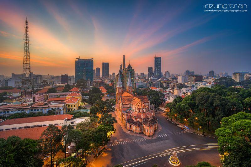 saigon,ho chi minh,Notre Dame Sunrise at Cathédrale Notre-Dame de Saïgonphoto preview