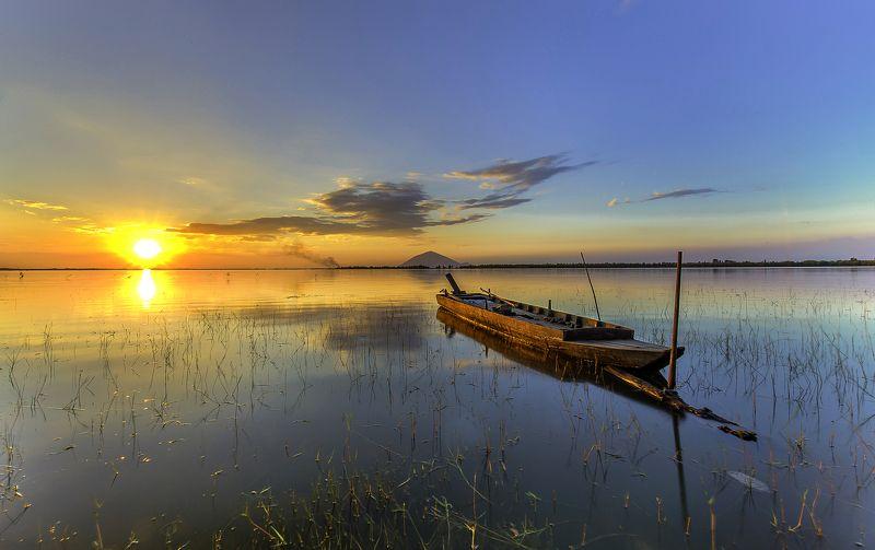 tây ninh Dau Tieng Lakephoto preview