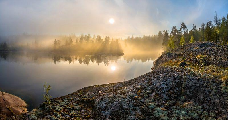 ладожское озеро, карелия, шхеры, лето, туман, скалы, лес, сосны, берег, фототур, остров, путешествие, плавание, вода, солнце, закат, отражение, лучи., Туманный веерphoto preview