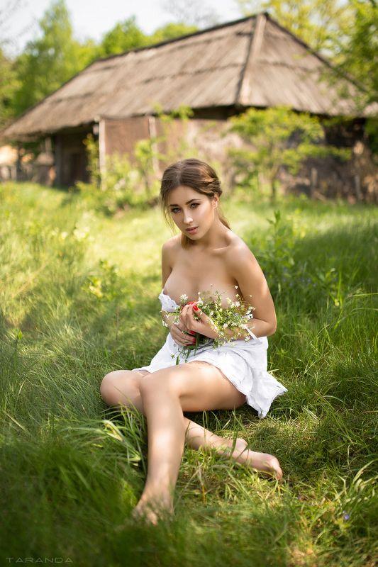 girl, kiev, ukraine, village, portrait, nu, nude, flowers, sweet, sexy Diphoto preview