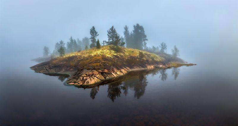 ладожское озеро, карелия, шхеры, лето, туман, скалы, лес, сосны, берег, фототур, остров, камни, путешествие, плавание, вода, отражение, солнце Когда острова летаютphoto preview