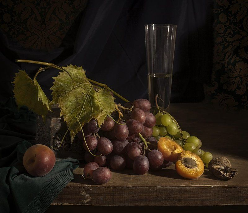 натюрморт, still life, виноград, вино Натюрморт с виноградом и абрикосамиphoto preview