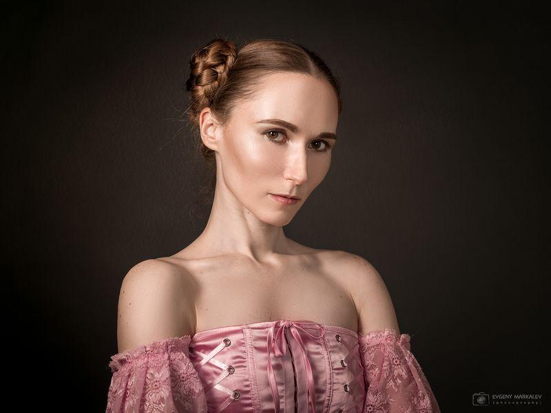 портрет, студийная съемка, девушка Аннаphoto preview