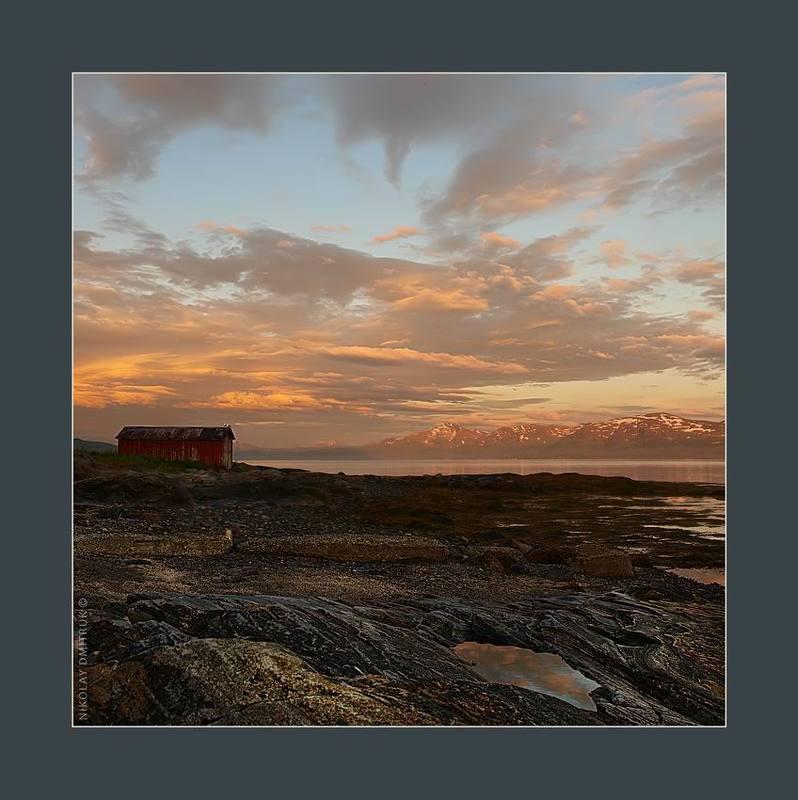 пейзаж музыка красная ночь. Норвегияphoto preview