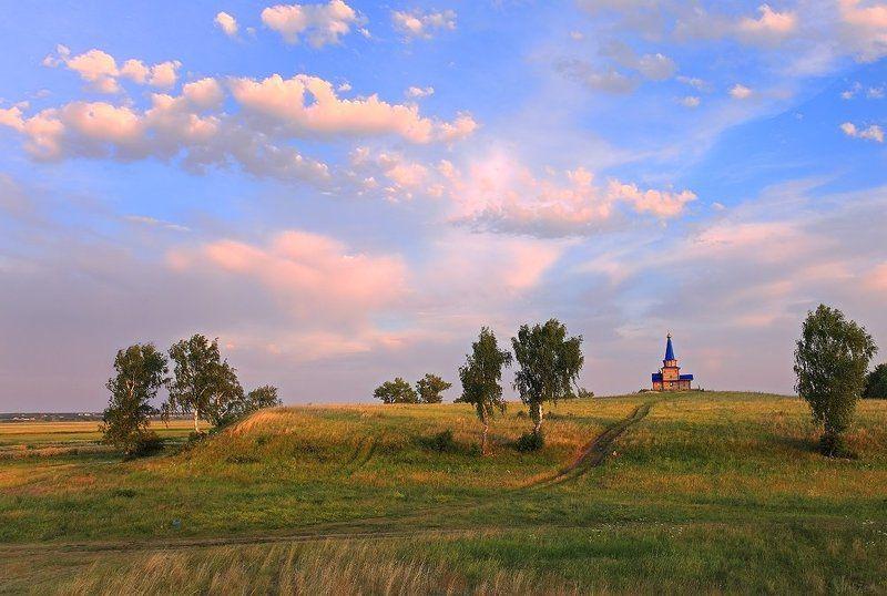 пейзаж, природа, поле, степь, часовня, церковь, лето, вечер, закат Вдали от суеты мирской...photo preview