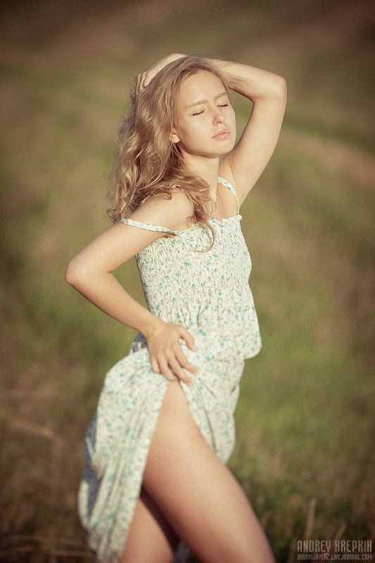 девушка, надя, поле Надяphoto preview