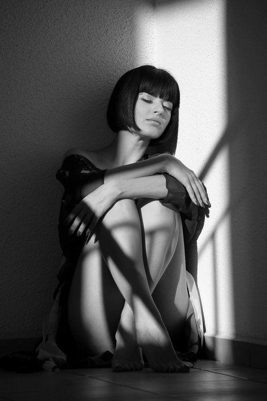 девушка, портрет, свет, тень свет и теньphoto preview
