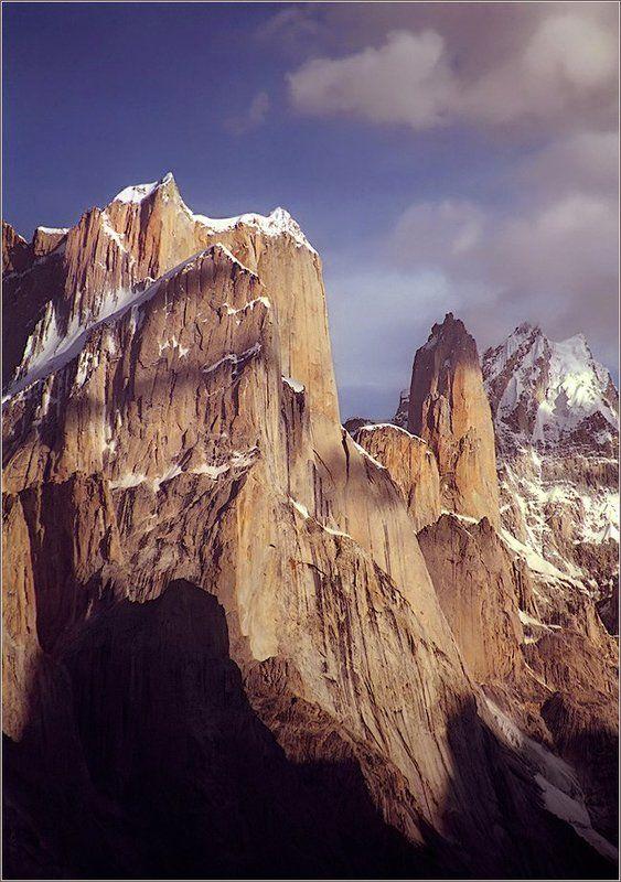 trango towers, каракорум, балторо Trango Towers (6286 m). Pakistan.photo preview