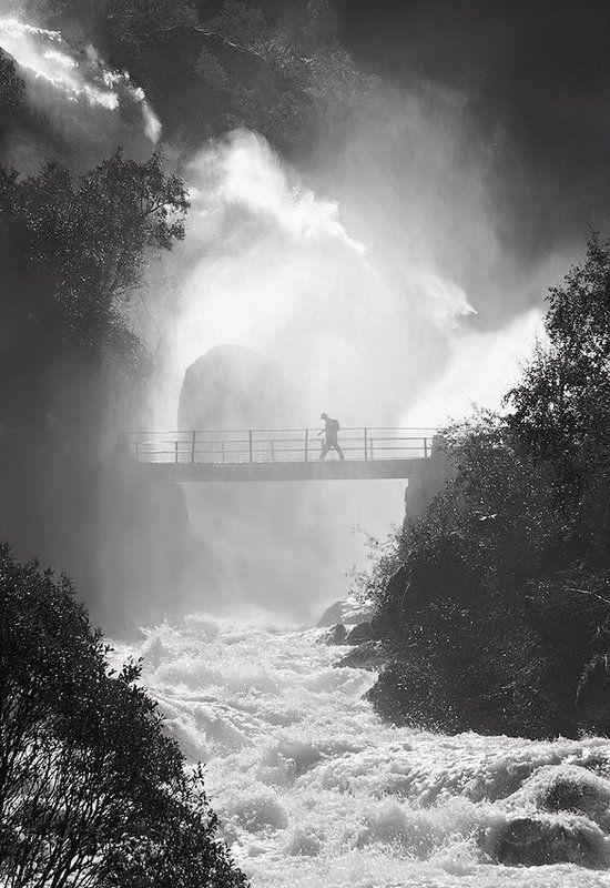 норвегия, водопад бриксдаллен Briksdalenphoto preview