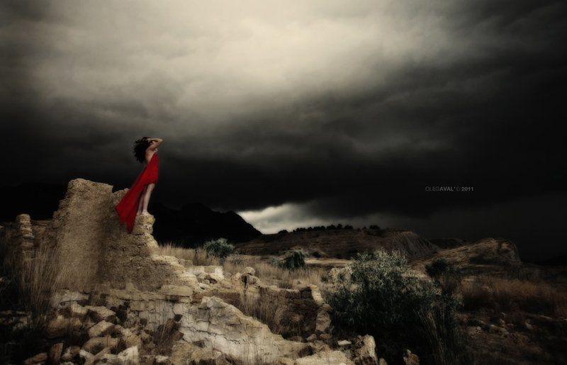 девушка, горы поговорить с ветром...photo preview