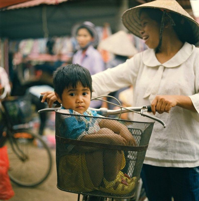 bac ninh, -, vietnam. Go to market with mother.photo preview
