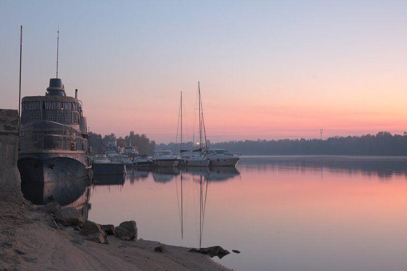 утро, рассвет, река, днепр, корабль, яхта, киев, вышгород Утро на Днепре...photo preview