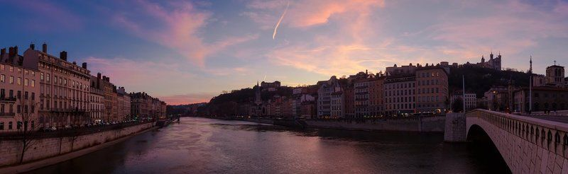 Sunset panorama of Lyonphoto preview