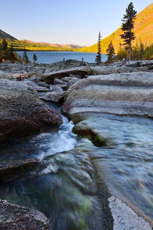россия,  горный алтай, усть-коксинский район, катунский хребет, нижнее мульти́нское озеро, шумы Шумыphoto preview