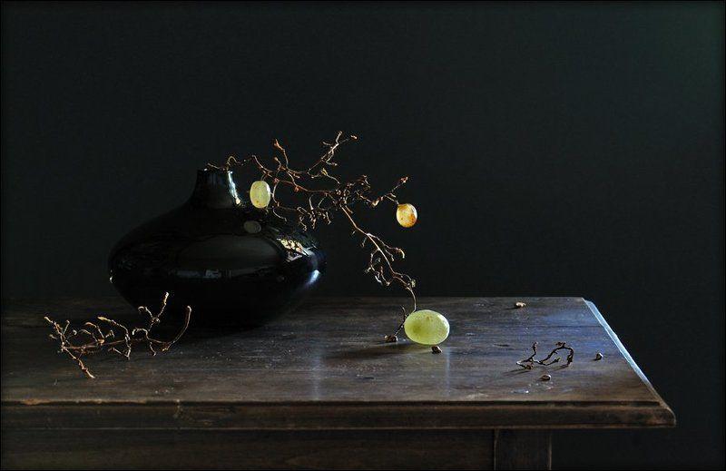 натюрморт, виноград О трёх виноградинах...photo preview