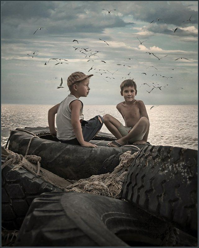 Вовка и Егор на заброшенной пристане ...photo preview