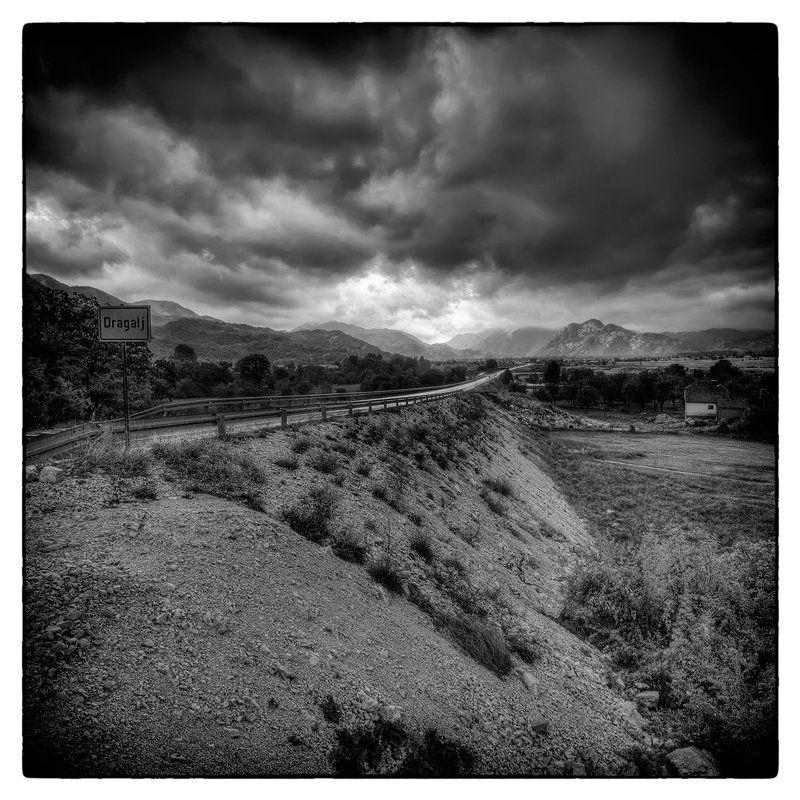 Follow the stormphoto preview