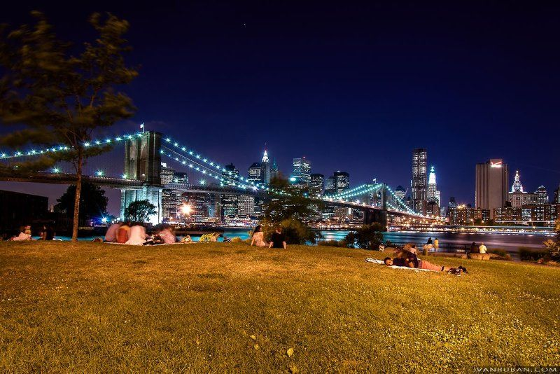 город, люди, ночь, нью-йорк, трава, вода, небоскребы something Morephoto preview